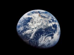 This_new_photo_of_Earth-5727e2b0b4b6883e7ff81c9f2781f590