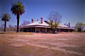 homestead in outback (3)