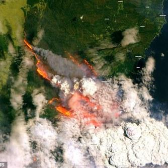 22863032-7844187-Batemans Bay_satellite_image_Dec 31 2019_capernicus EMS; Sentinel 2.ESA